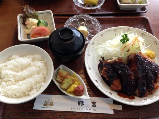 豚吉ロース味噌カツ定食